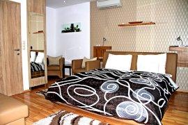 Komfort Studio Apartman erkéllyel